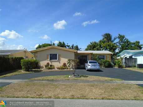 8351 NW 25th St - Photo 1