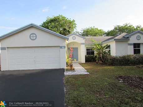 4841 NW 15th St - Photo 1