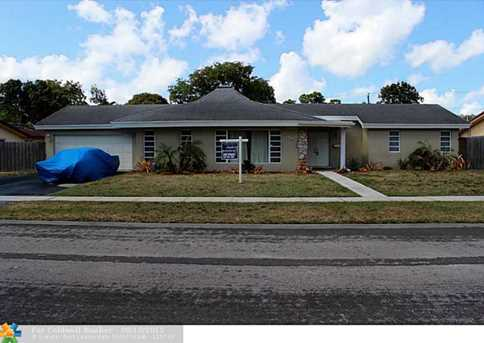 7041 NW 5th St - Photo 1