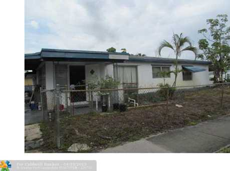 2905 Nw 2Nd St - Photo 1