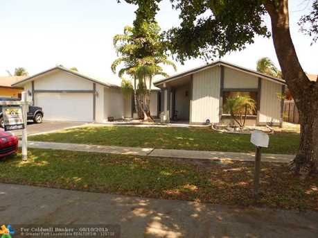 7201 NW 46th Ct - Photo 1