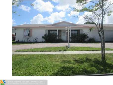 4130 NW 10th St - Photo 1