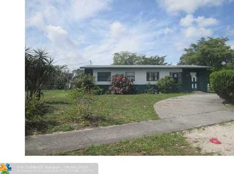 1524 NW 19th Ave - Photo 1