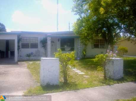 2541 SW 54th Ave - Photo 1