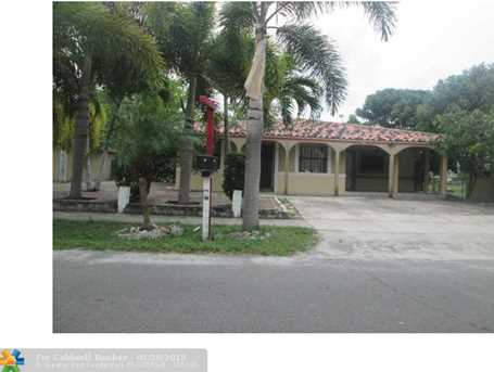 2872 Nw 3Rd St - Photo 1