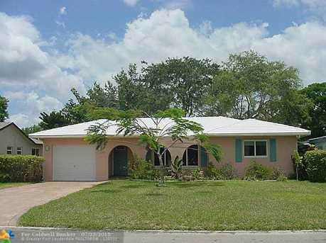 8203 NW 105th Ave - Photo 1