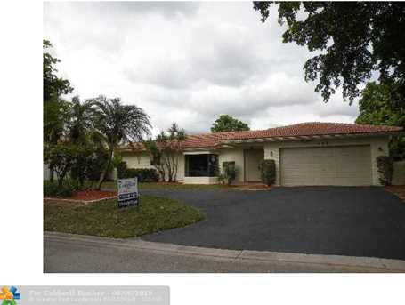 395 Nw 101St Ave - Photo 1