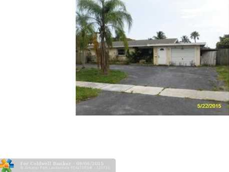 4250 NW 12th St - Photo 1