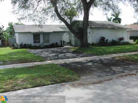 308 NW 41st Ave - Photo 1