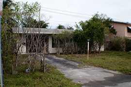 2948 ne 13th ave pompano beach fl 33064 mls f1340815 coldwell banker for 3411 ne 6th terrace pompano beach fl 33064