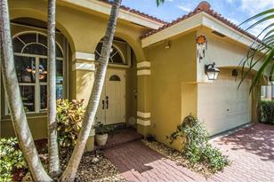 10257 NW 53rd Ct - Photo 1