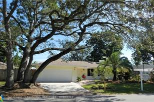 1728 SW 24th Ave - Photo 1