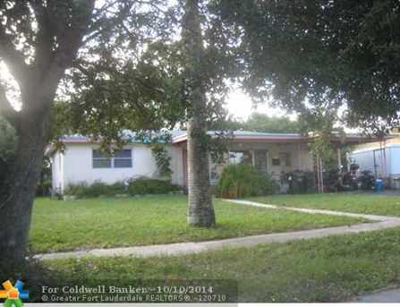 511 SW 27th Ter - Photo 1