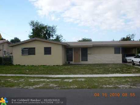 2930 SW 5th St - Photo 1