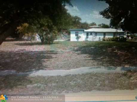 503 NW 8 Ave - Photo 1