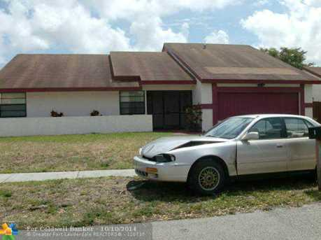 5400 NW 57th St - Photo 1