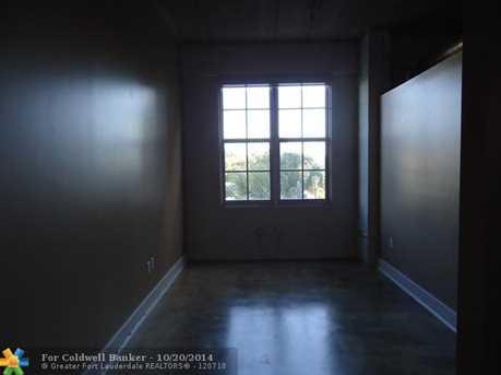 425 N Andrews Avenue, Unit # 305 - Photo 1