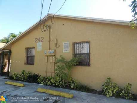 242 NW 14th St - Photo 1
