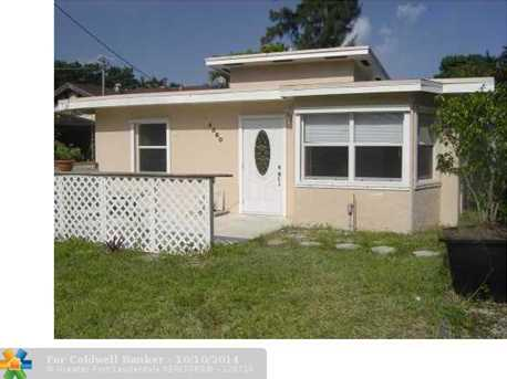 4560 SW 29th Ter - Photo 1