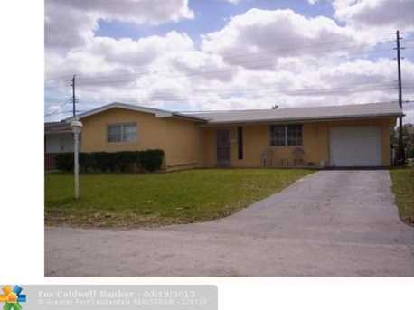 8680 NW 11th St - Photo 1