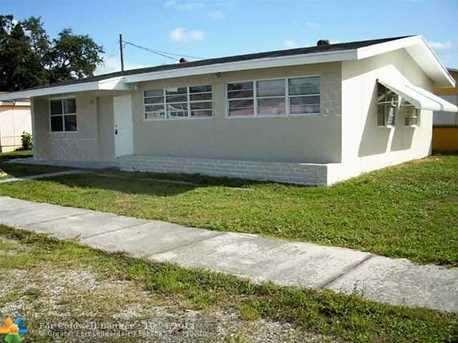15291 NW 18th Ave - Photo 1