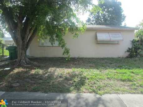 18805 NW 44th Ct - Photo 1
