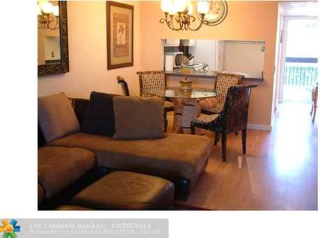 111 Lake Emerald Dr, Unit # 203 - Photo 1