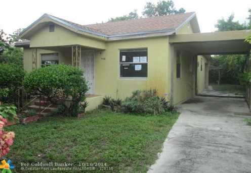 7136 SW 42nd Ter - Photo 1