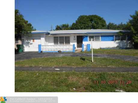 3811 NW 5th St - Photo 1
