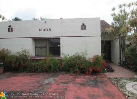 13308 SW 62nd Ter - Photo 1