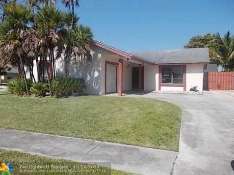 609 SW 75th Ave - Photo 1