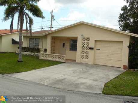 2504 NW 55th St - Photo 1