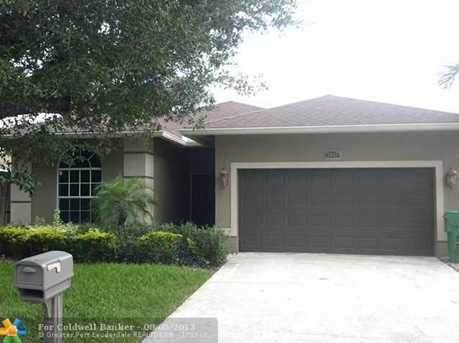 3002 NW 7th St - Photo 1