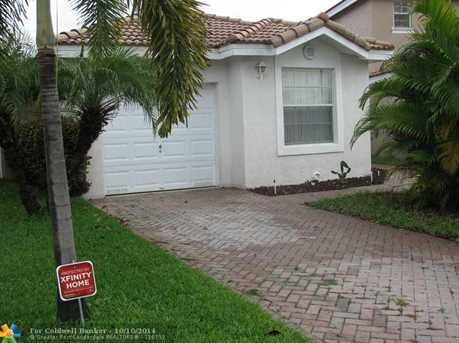 9401 NW 55th St - Photo 1