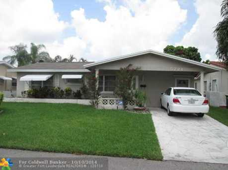5721 NW 72nd Ave - Photo 1
