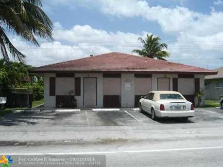 4121 NW 30th Ter - Photo 1