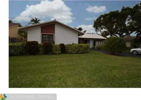 1521 NW 99th Ave - Photo 1