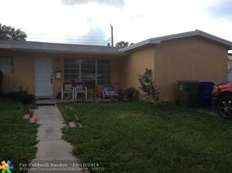 800 NW 76th Ave - Photo 1