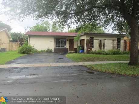 311 NW 98th Ter - Photo 1