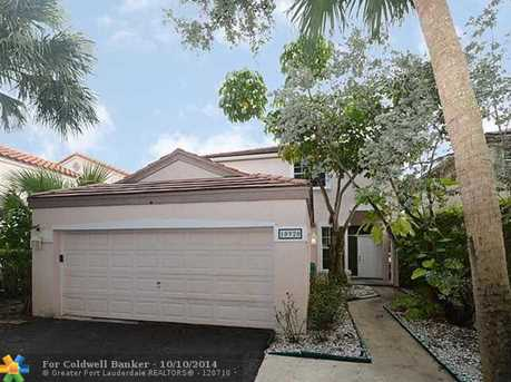 10920 NW 10th St - Photo 1