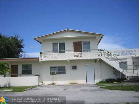 317 NW 40th St - Photo 1