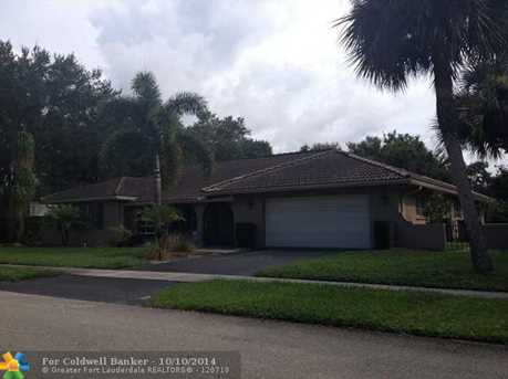 858 SW 17th St - Photo 1