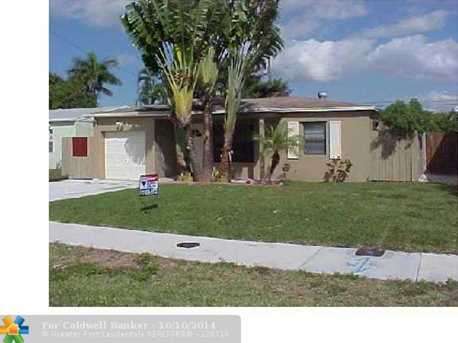 301 NW 51st St - Photo 1