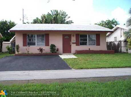 2302 NW 54th St - Photo 1