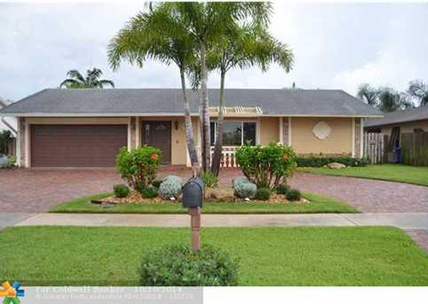 1402 SW 25th Ave - Photo 1