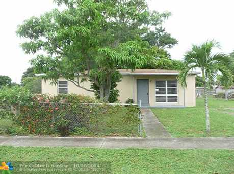 731 NW 33rd Ave - Photo 1