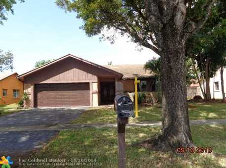 8521 NW 53rd Ct - Photo 1