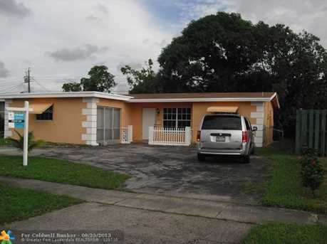 6831 NW 25th St - Photo 1