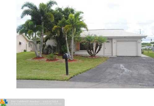 9908 NW 70th St - Photo 1