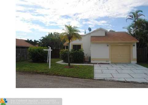 10920 SW 10th St - Photo 1